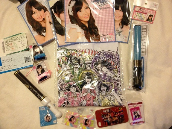 Some Momoclo goods, among other stuff